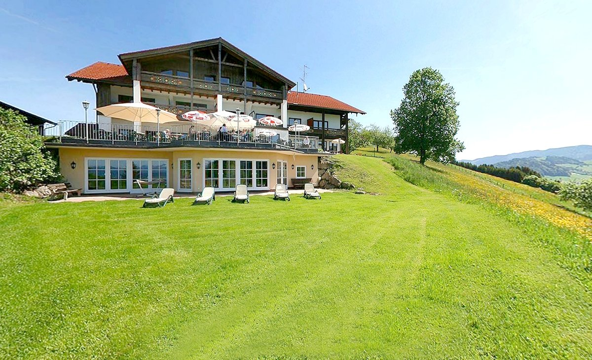 Kur und ferienhotel berghof am paradies in 87534 for 87534 oberstaufen