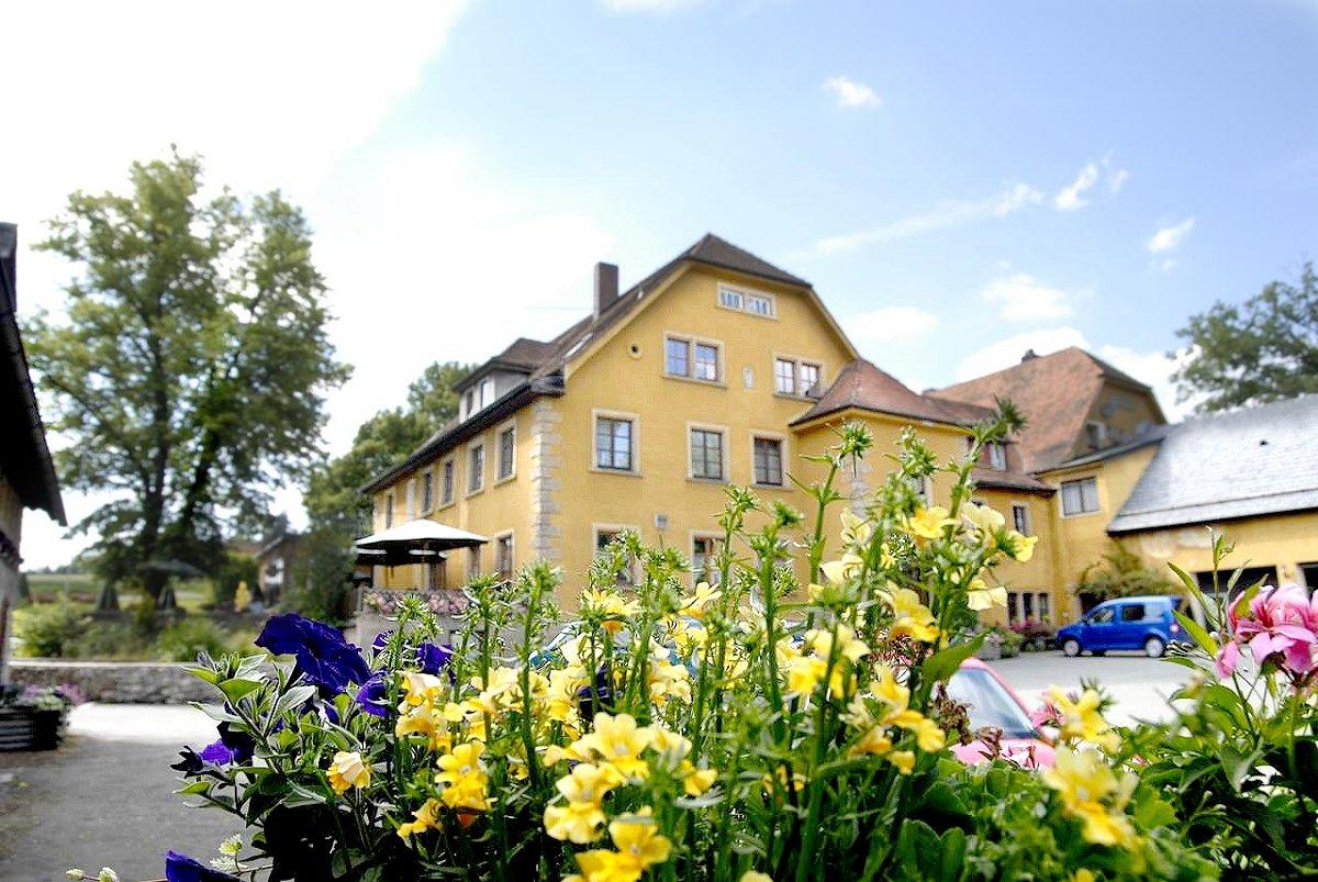 landgasthof haueis in 95352 marktleugast hermes deutschland. Black Bedroom Furniture Sets. Home Design Ideas