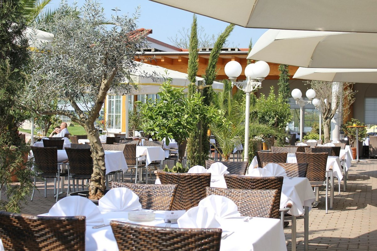 Hotel fichtelgebirgshof das besondere wirtshaus in 95502 for Besondere hotels