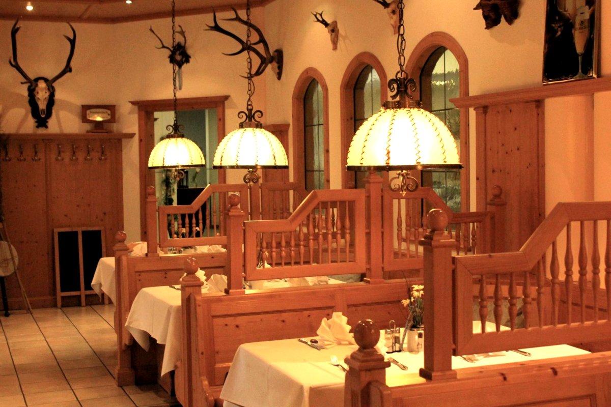 Hotel fichtelgebirgshof das besondere wirtshaus in 95502 for Besondere hotels berlin