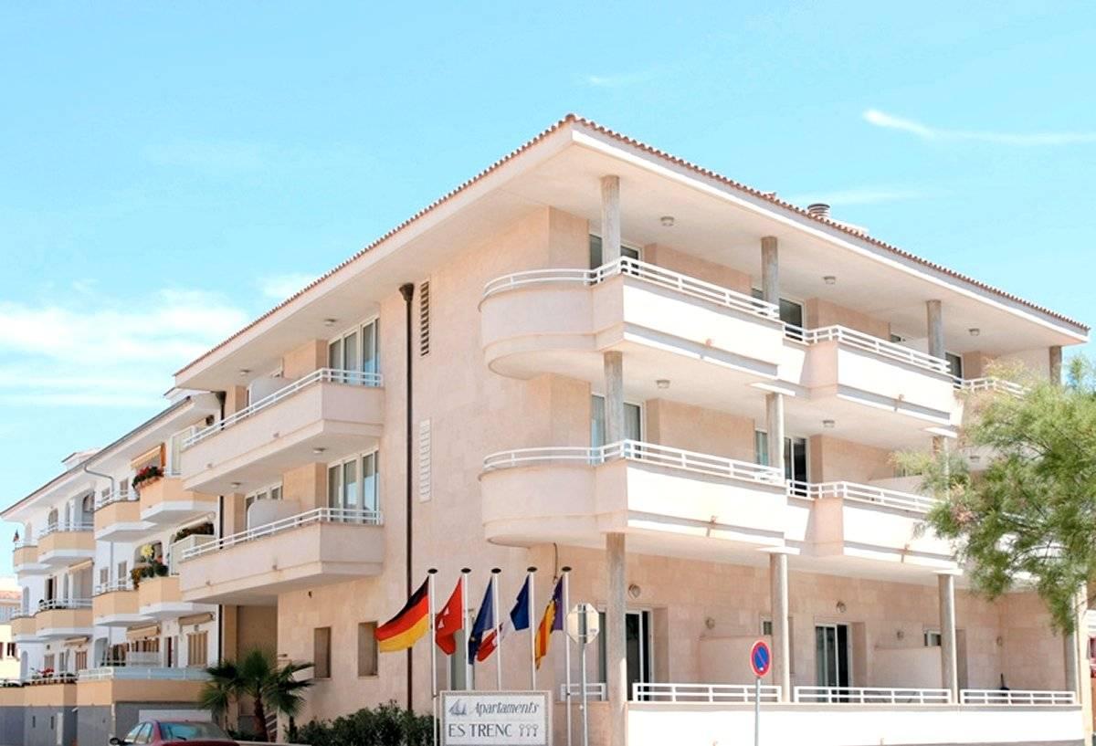 Hotel in ses salines colonia de sant jordi apartamentos for Apartamentos