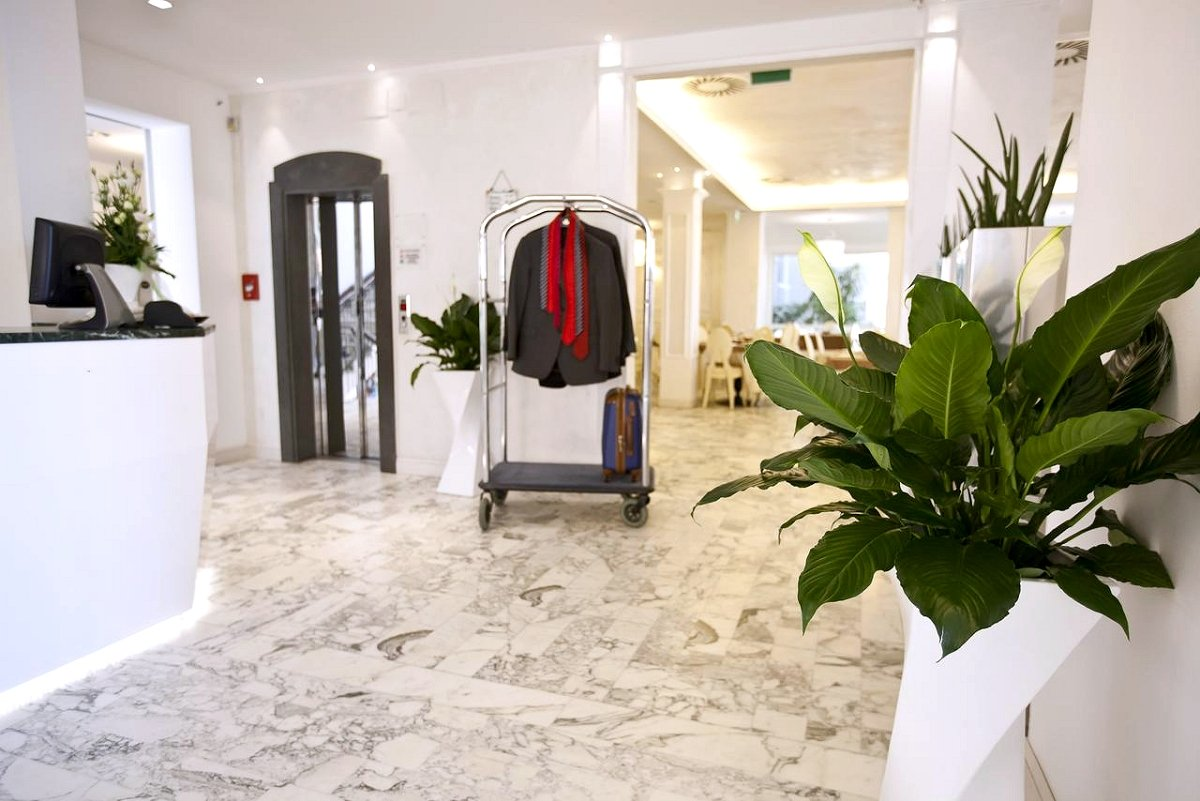 Hotel Aurora Viserba Di Rimini
