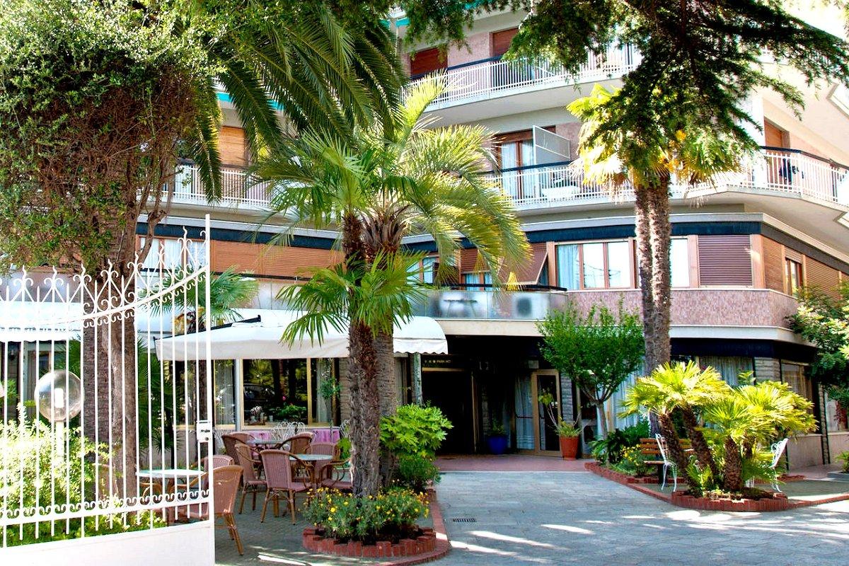 Bb Letti A Castello Finale Ligure.Park Hotel Castello In 17024 Finale Ligure Italia