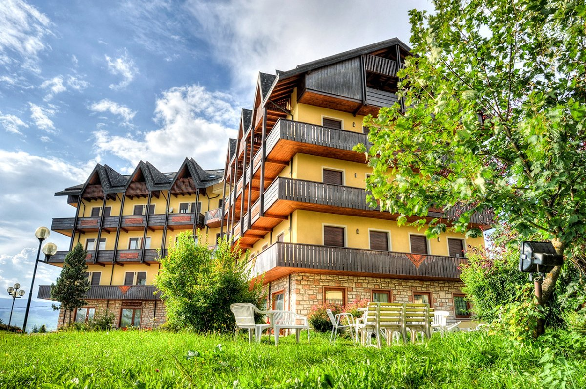 residence des alpes in 36012 asiago italy