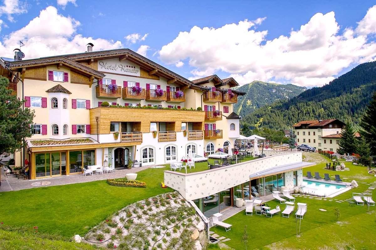 Hotel Renato Nature Wellness In 38039 Vigo Di Fassa Italy