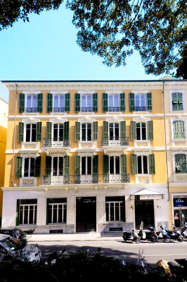 Hotel belle epoque in 18038 sanremo italy for Epoque hotel